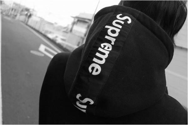 2016年モデル、、、SUPREME(シュプリーム)コラボアイテム続々入荷!!【トレファクスタイル町田成瀬店】