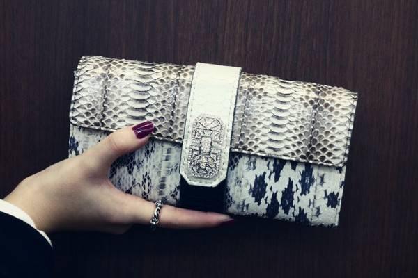小物で魅せる。ADMJ/エーディーエムジェー人気シリーズのパイソン好きにはたまらない財布