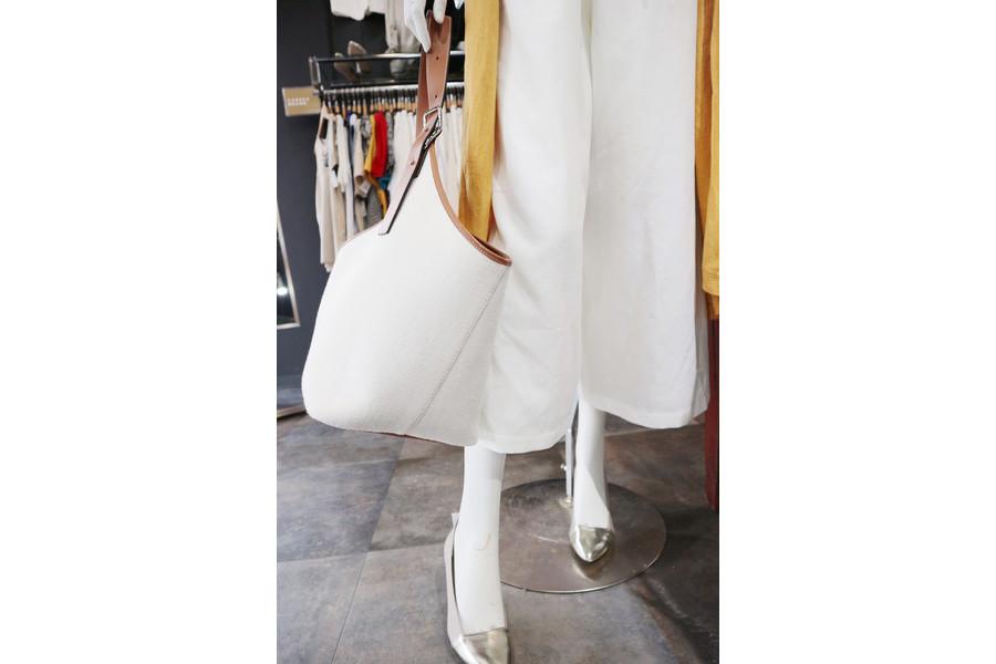 ロエベのバルーンバッグ