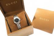 【GUCCI/グッチ】女性のみなさん必見!腕元がシンプルになりがちなこの季節にGUCCIの腕時計はいかかでしょう。