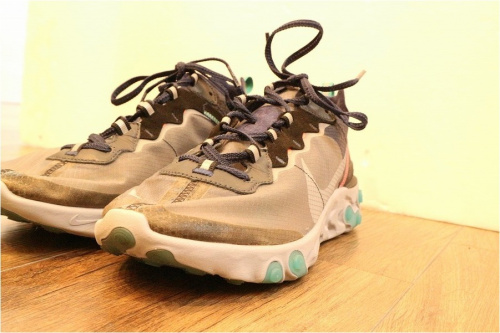 ナイキのREACT ELEMENT 87 BLUE