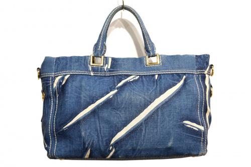 プラダのカナパ2WAYバッグ