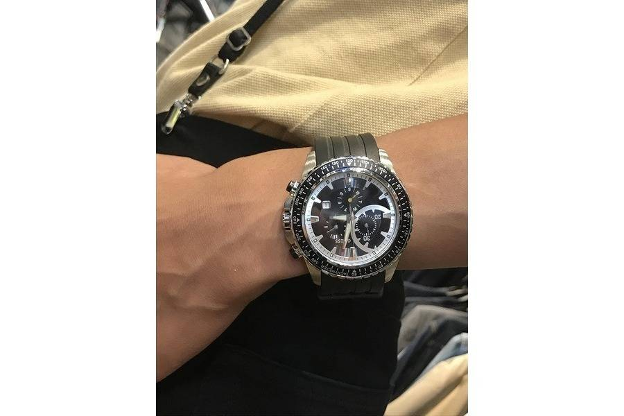 【GUESS/ゲス】Sporty Chronograph Watchのご紹介。