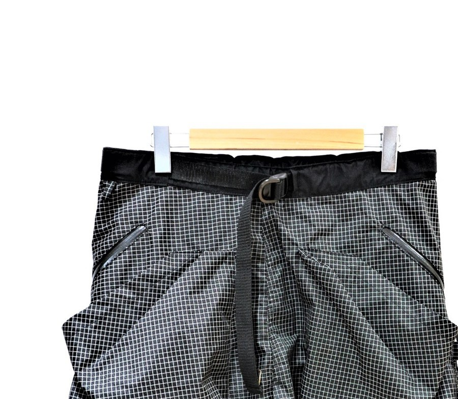 「アウトドアブランドのcomfy outdoor garment 」