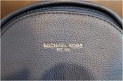 オトナカジュアルに。。MICHAEL KORS マイケルコース ボディバッグ入荷です。