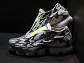 機能性×デザイン性【Nike×Acronym】入荷!