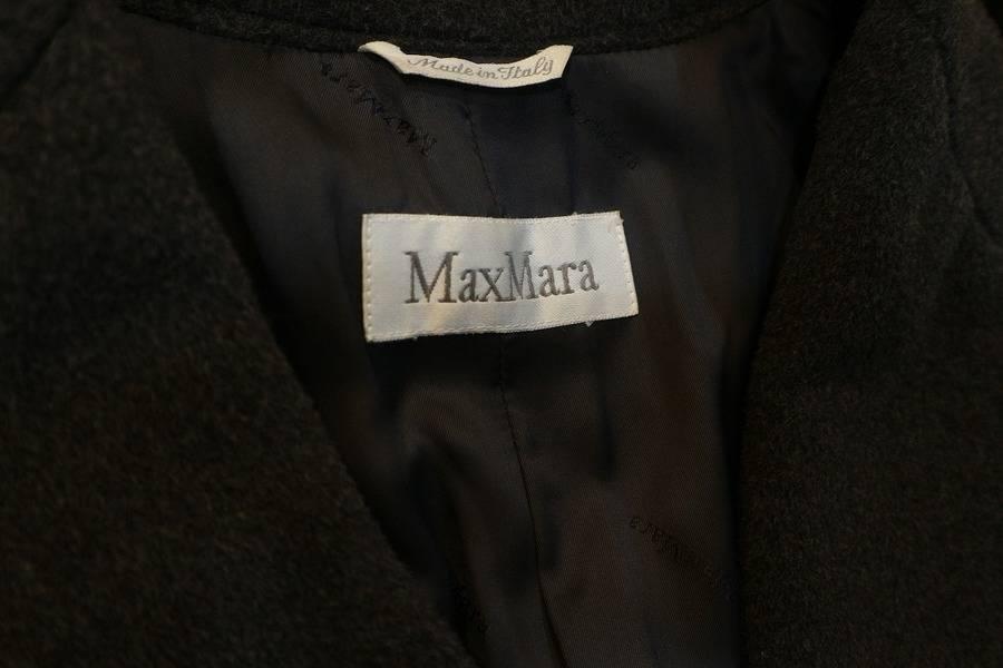 「MAX MARAのチェスターコート 」