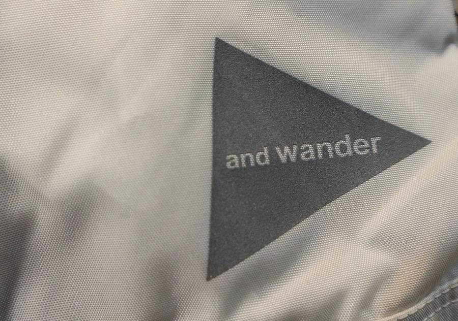 「AND WANDERのアウトドア 」