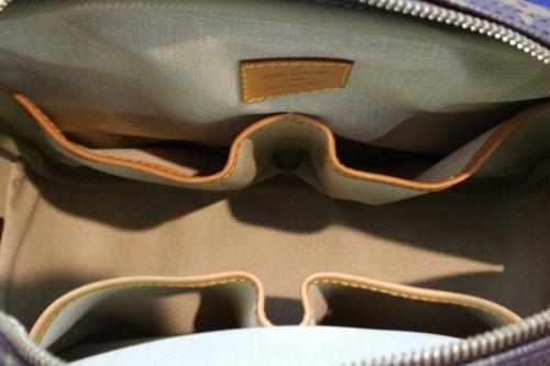 ハンドバッグのリポーターPM
