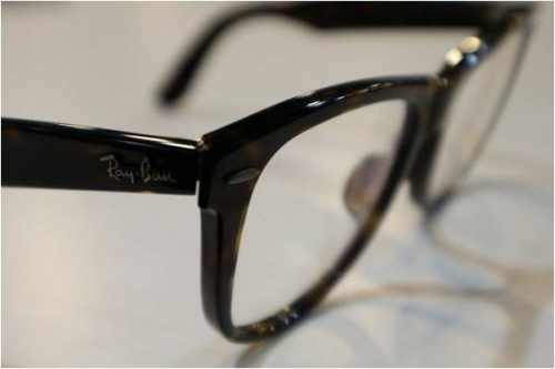 RAYBANのサングラス