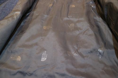 ハイベントジャケットのマウンテンパーカー