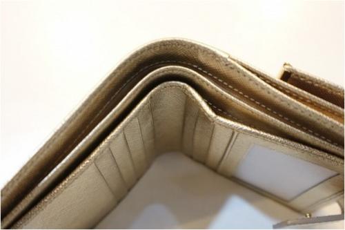 サルヴァトーレ フェラガモの二つ折り財布