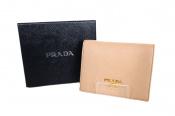 PRADA(プラダ)二つ折り財布が入荷しました!