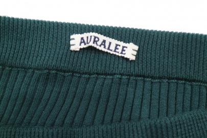 「キャリアファッションのAURALEE 」