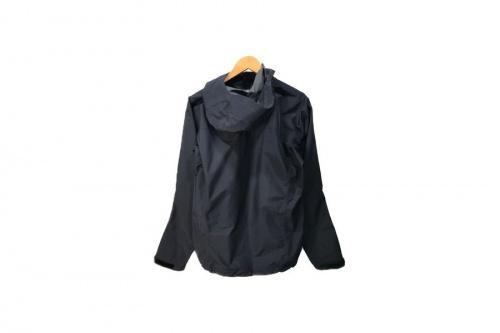 アークテリクスのBeta SL Jacket