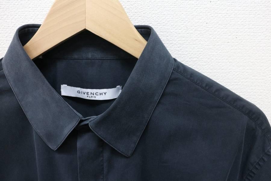 「GIVENCHYのシャツ 」