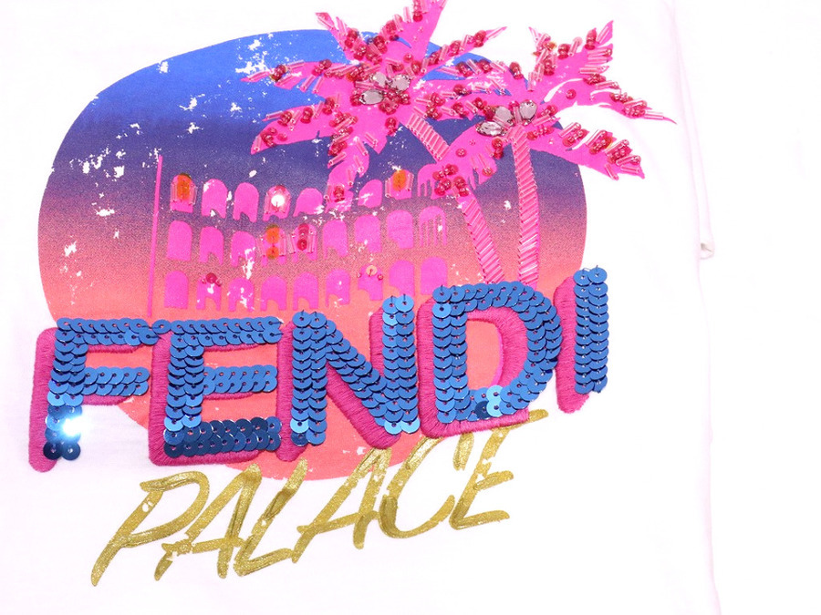 FENDI(フェンディ)からピンクパームスパンコールカットソーが入荷しました。