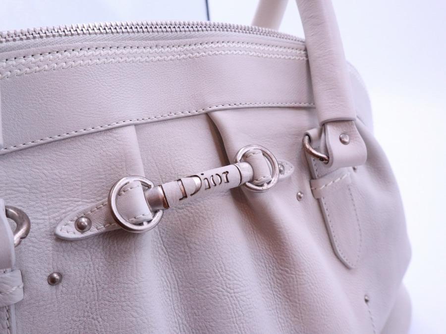 Christian Dior(クリスチャン ディオール)のハンドバッグをご紹介致します。