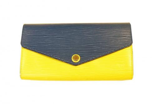 エピの財布