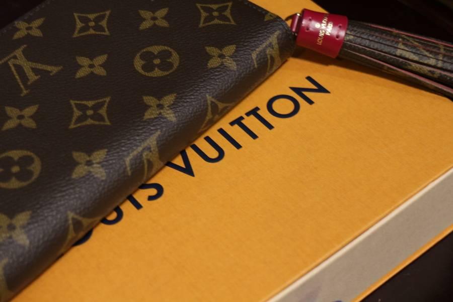 Supremeとのコラボで話題のLOUIS VUITTON(ルイヴィトン)から新作財布のご紹介!【トレファクスタイル稲毛店】