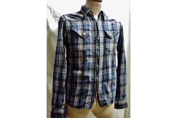 「レミレリーフのシャツ 」
