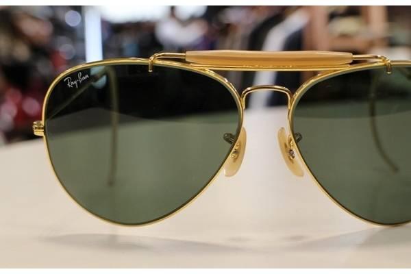 「アイウェアのサングラス 」