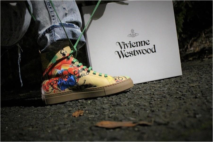 【Vivienne Westwood/ヴィヴィアン ウエストウッド】ヴィヴィアン大量入荷中!!!ARTWORK SHOWTIME!!ハイカットスニーカーをご紹介♪