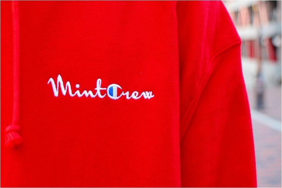 「ストリートブランドのMintCrew x Champion 」