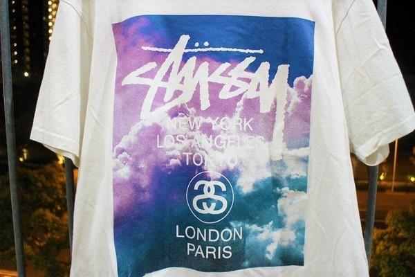 ステューシーのプリントTシャツ