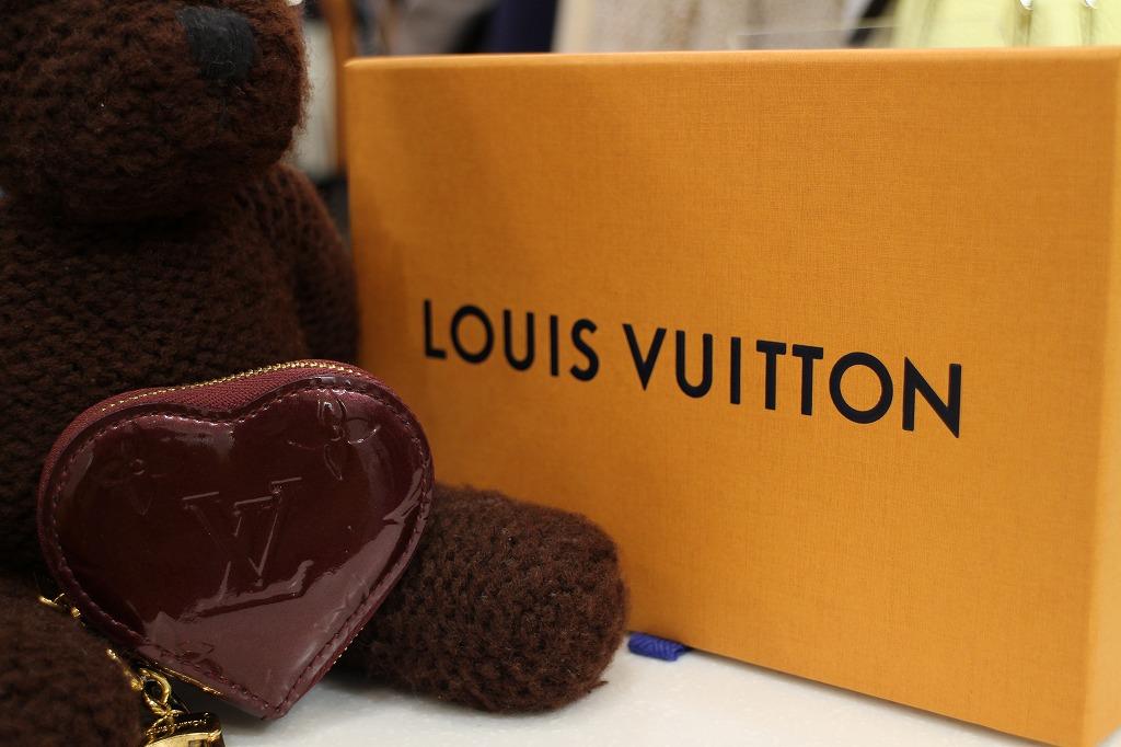 《LOUIS VUITTON/ルイ・ヴィトン ヴェルニ M91486  ミニクール》大人の女性におススメ♪ハートモチーフのコインケース入荷!!
