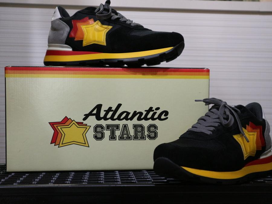 「スニーカーのATLANTIC STARS 」