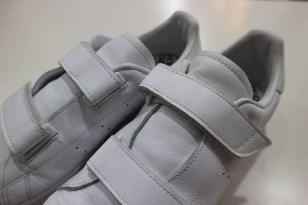 白さ耀く!adidas Originals by HYKEのベロクロスニーカー!!【古着買取トレファクスタイル大泉学園店】