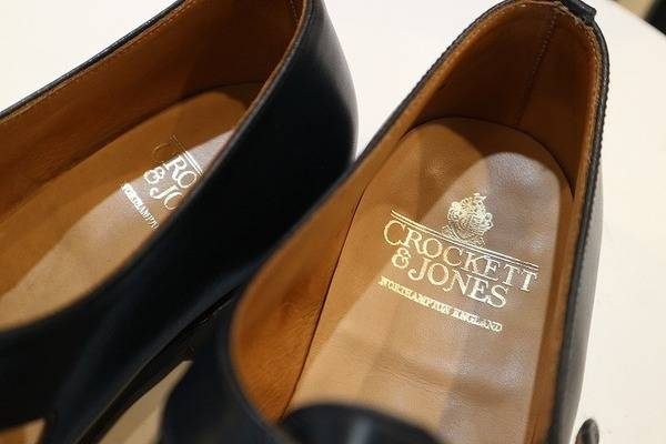 イギリスの最高峰革靴からレザーサンダル入荷!【古着買取トレファクスタイル大泉学園】