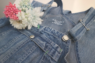 「キャリアファッションのholiday DENIM 」
