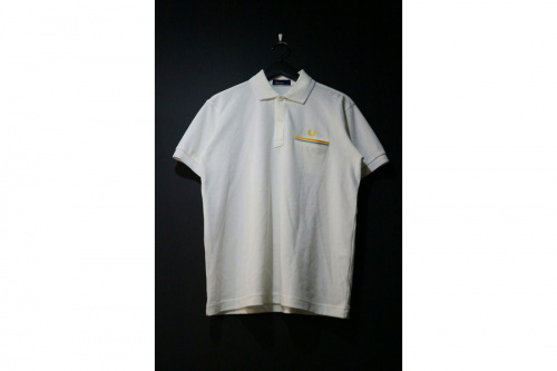 フレッドペリーのクルーネックスウェットシャツ