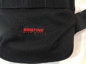 程良い大きさのBRIEFING(ブリーフィング)
