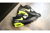 NIKE AIR MAX 90 ESSENTIAL 入荷!