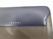 MARNI バイカラーラウンドレザー財布のご紹介!