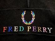 BEAMS別注!!レインボー刺繍の万能スウェット!FRED PERRY(フレッドペリー)