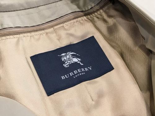 BURBERRYのトレンチコート