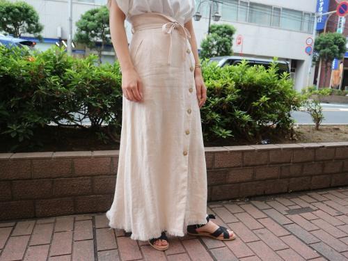 メゾンスペシャルのマキシスカート