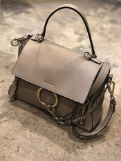 Chloe FAYE medium bag入荷致しました。