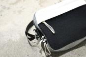 Acne StudiosのBlack Bla Konst Hidey Bagが入荷しました