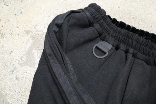 ワイスリーの3-Stripes Selvedge Matte Track Pants