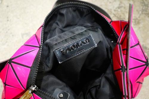 トートバッグのピンク