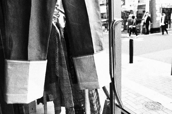 最先端ロールアップ...LOEWE フィッシャーマンジーンズ【トレファクスタイル 江古田店】