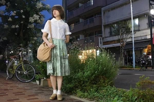 「レディースファッションのスカート 」