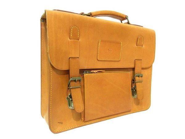 「鞄のバッグ 」