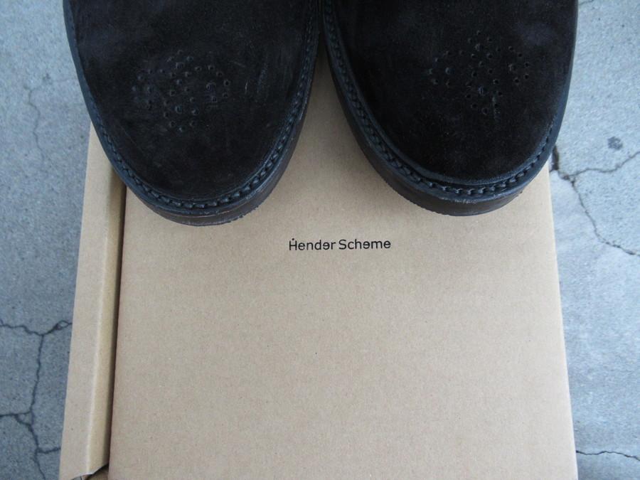 Hender Scheme(エンダースキーマ)より18AWレザースリッポンのご紹介。