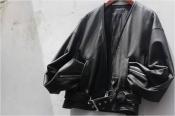 独創性のあるレザージャケット。《blackmeans》